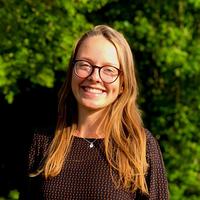 Porträtfoto von Frau Jule Grünenwald