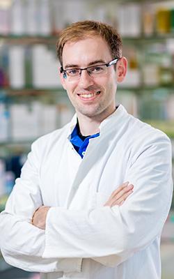 Porträtfoto von Dr. Alexander Schmitz