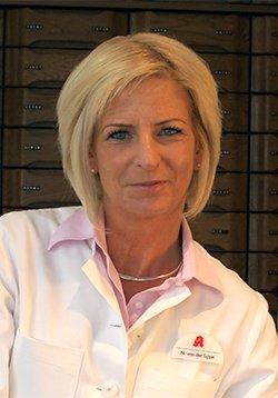 Porträtfoto von Frau Nicola von der Lippe