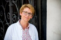 Porträtfoto von Barbara Schröder