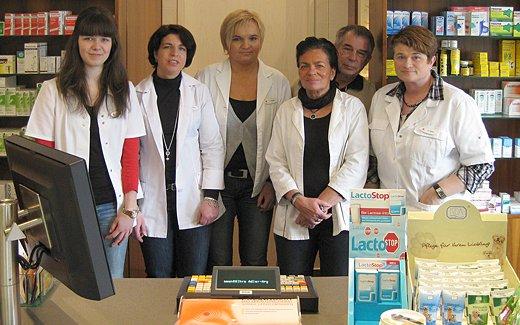 Team der Adler-Apotheke Jöllenbeck