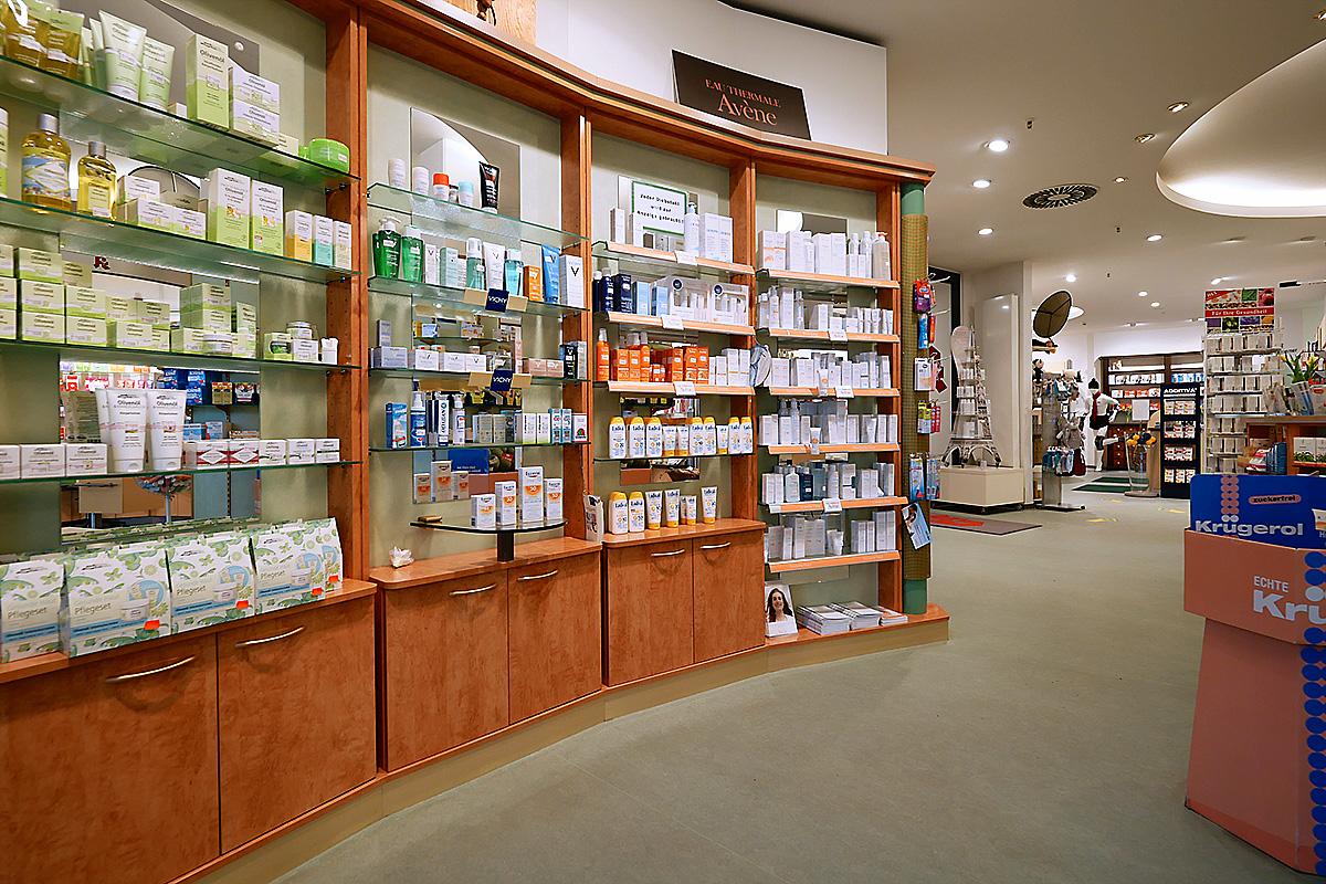 Innen-Ansicht Kosmetik in der Center Apotheke im Neumann Forum