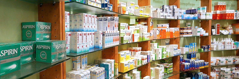 Durch unser großes Lager haben wir die meisten Arzneimittel vor Ort.