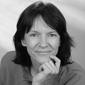 Porträtfoto von Beate Thacker