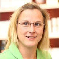 Porträtfoto von Frau Guder