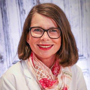 Porträtfoto von Frau Zerwer