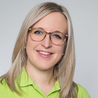 Porträtfoto von Katja Völlmecke