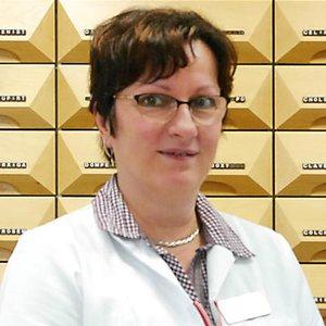Porträtfoto von Christine Schönfelder
