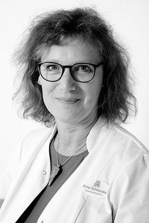Porträtfoto von Anne Schmücke
