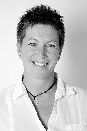 Porträtfoto von Sonja Henneboele