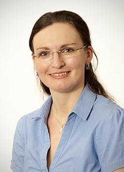 Porträtfoto von Frau Pichanicova