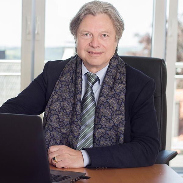 Porträtfoto von Wolfgang U. Scholz