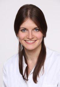 Porträtfoto von Nadja Linhardt