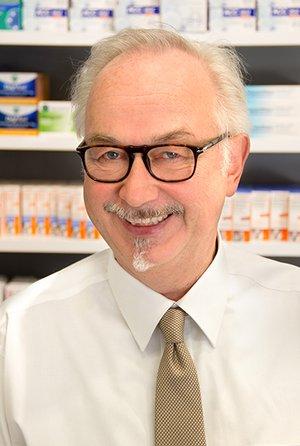 Porträtfoto von Dr. Uwe Riemer