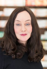 Porträtfoto von Dr. Julia Schwieger