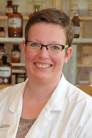 Porträtfoto von Frau Miriam Schmidt