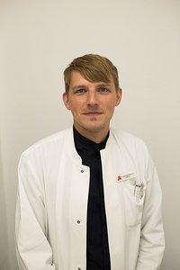 Porträtfoto von Dr. Hendrik Niemann