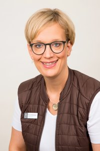 Porträtfoto von Martina Schienerer