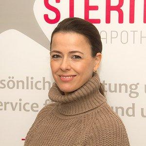 Porträtfoto von Aijda Senyüz