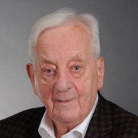 Porträtfoto von Dr. Winfried Faerber