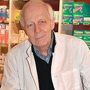 Porträtfoto von Dr. Walther Lang