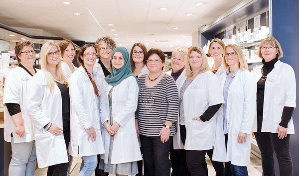 Team der Stern-Apotheke im Ärztezentrum