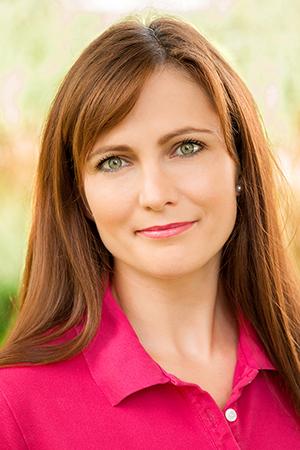 Porträtfoto von Dr. Agnes Barta