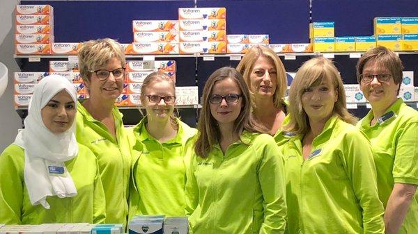 Team der easyApotheke im Nedderfeld Center