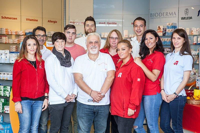 Team der Europa-Apotheke in den Kolonnaden