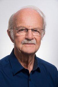 Porträtfoto von Hr. Dr. Naumann