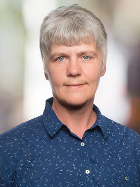 Porträtfoto von Bettina Karp