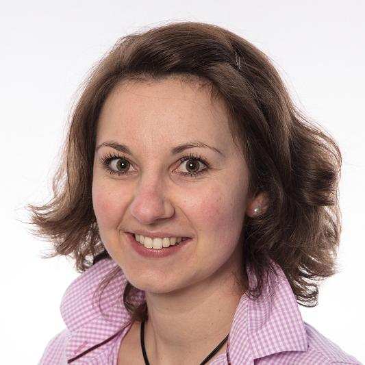 Porträtfoto von Veronika Reindl