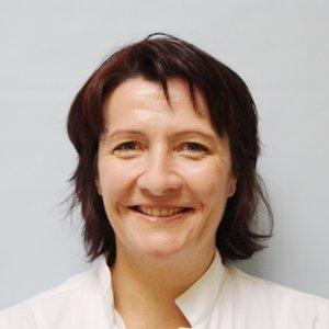 Porträtfoto von Frau Doser