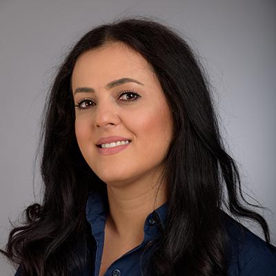Porträtfoto von Frau Anis Talbalaghi