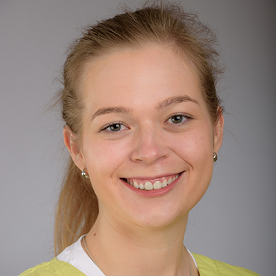 Porträtfoto von Frau Eugenia Bayer