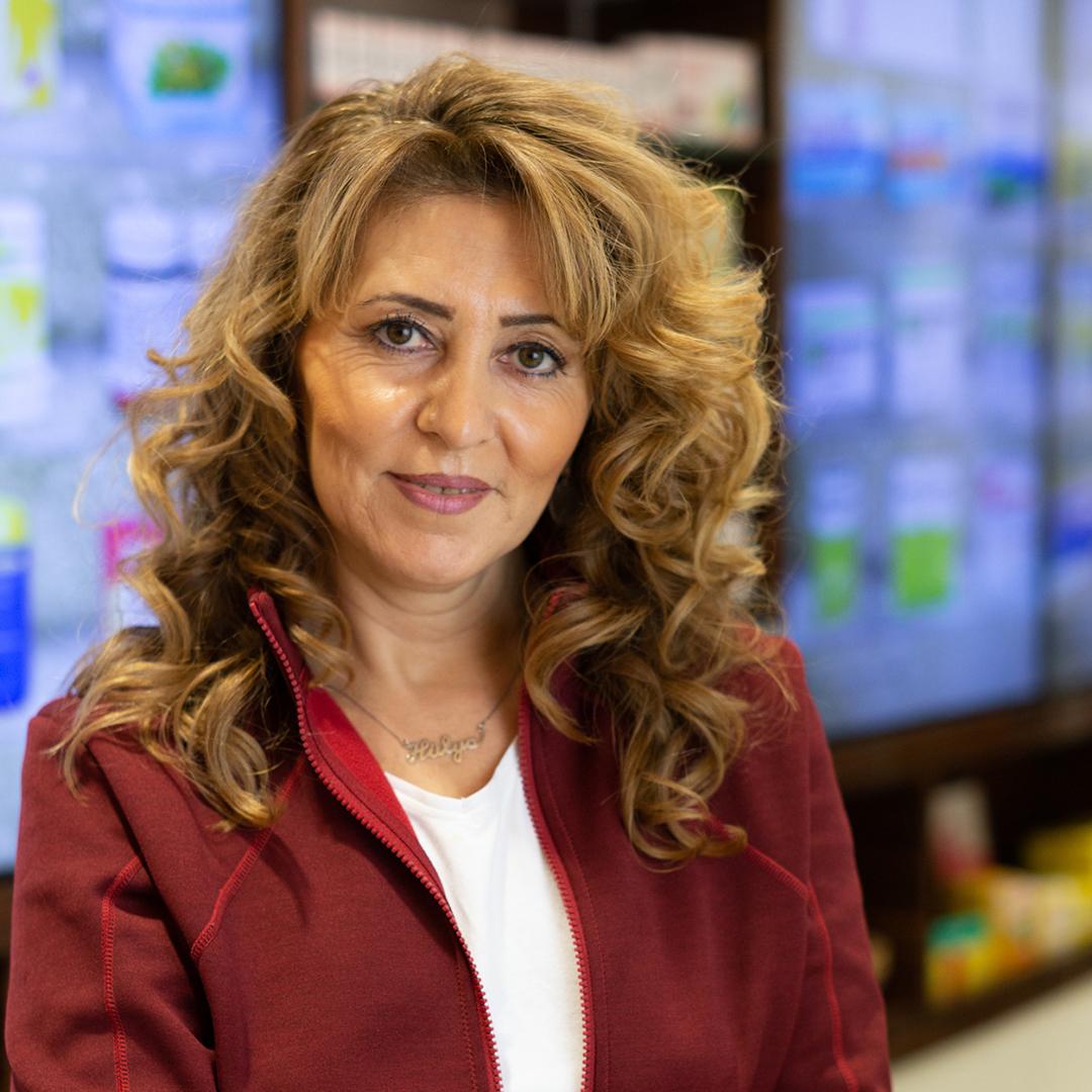 Porträtfoto von Hülya Demirezen