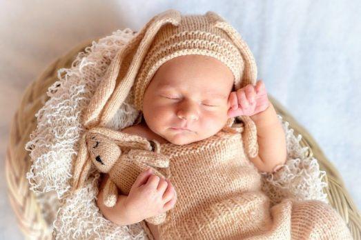 https://mein-uploads.apocdn.net/569/miscellaneous/Baby%20mit%20M%C3%BCtze.jpg