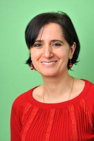 Porträtfoto von Güzin Asit
