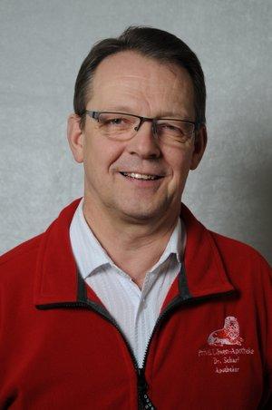 Porträtfoto von Dr. Scharf