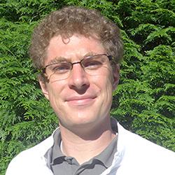 Porträtfoto von Dr. G. Lohmann
