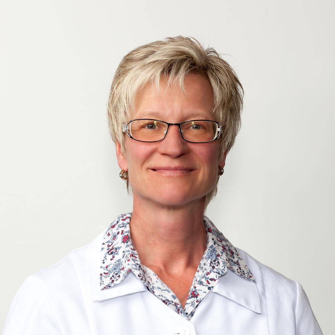 Porträtfoto von Tabea Blüthgen