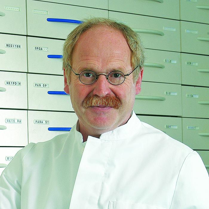 Porträtfoto von Jürgen Göbel