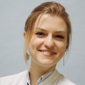 Porträtfoto von Frau Weser