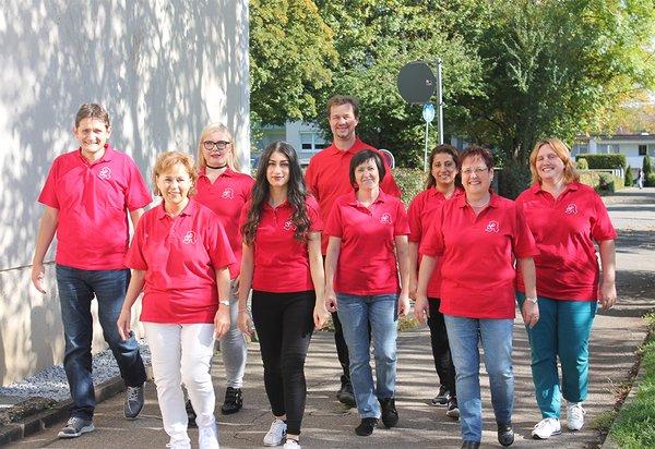 Team der Apotheke Roßdorf im Ladenzentrum