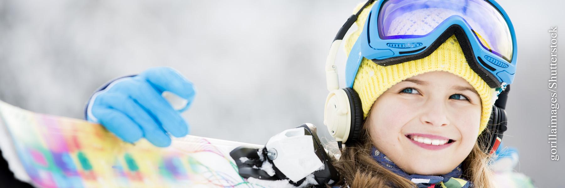 Ski und Schlitten fahren mit Kindern